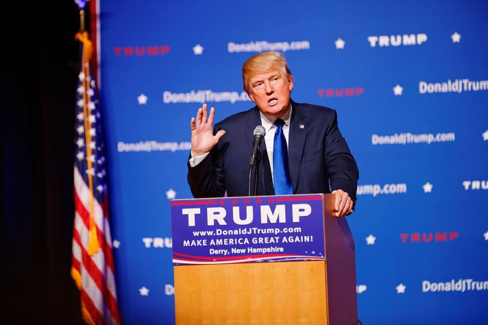 Mr_Donald_Trump_New_Hampshire_Town_Hall_on_August_19th_2015_at_Pinkerton_Academy_Derry_NH_by_Michael_Vadon_02.jpg