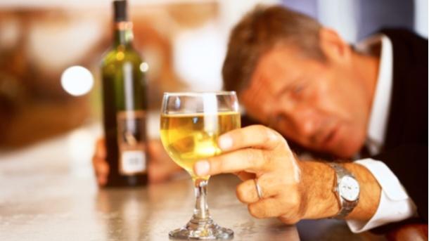 Alkohol-pijanstvo.jpg